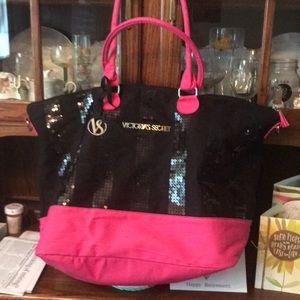 Victoria's Secret travel bag w shoulder strap